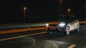 cuáles son las luces altas y bajas de un vehículo